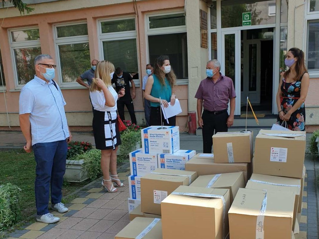 Delivery of protective equipment for social workers in 15 cities and municipalities started